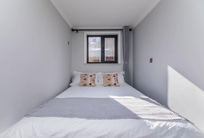 【清舍】限时特价  北欧简约风  街中心地段  独立双床房