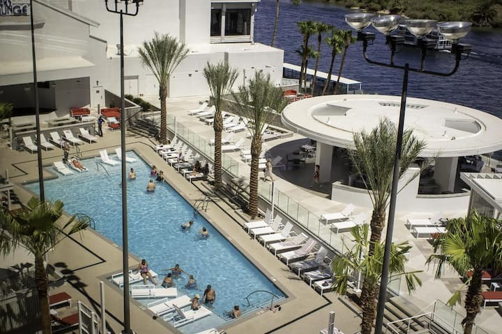 Laughlin-Resort & Casino! LOWEST RATE!!