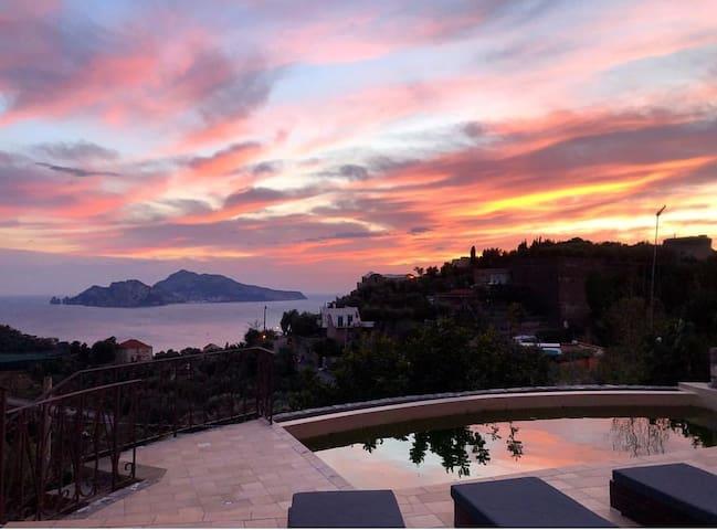 RELAIS SANTA LUCIA Villa on the coast of Sorrento