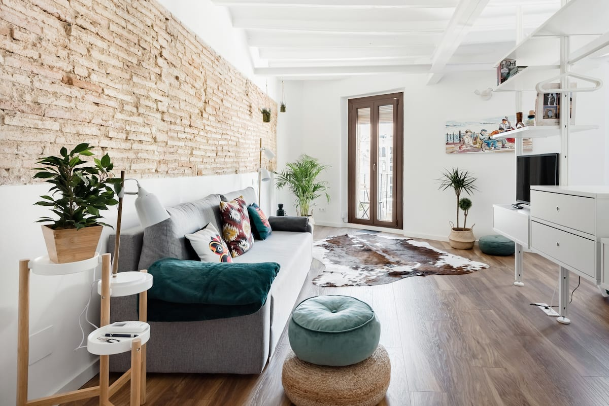 Discovering the Historic Center From a Stylish Home