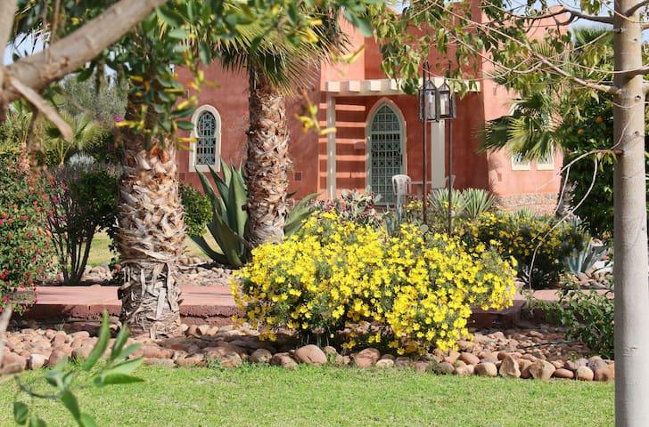 Maison d'hôtes RIAD BELOISEAU - Marrakech - House