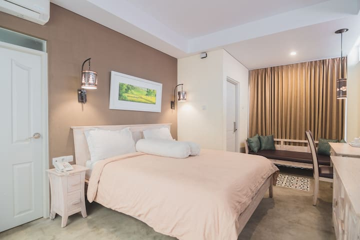 Gorgeous Private Suite at Jogja Center near UGM