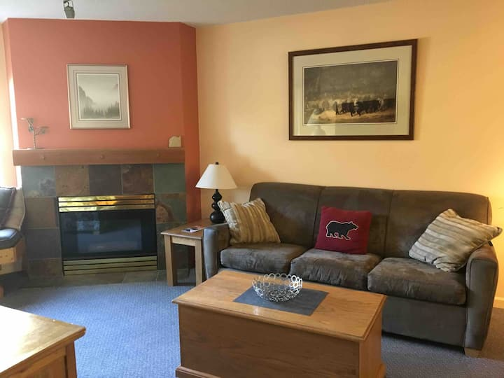 Spacious 1 bedroom with Free parking