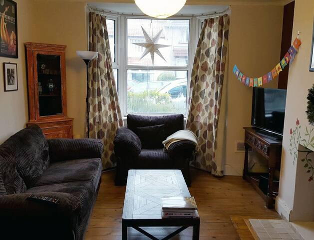 Beautiful quiet room in the heart of Bristol!