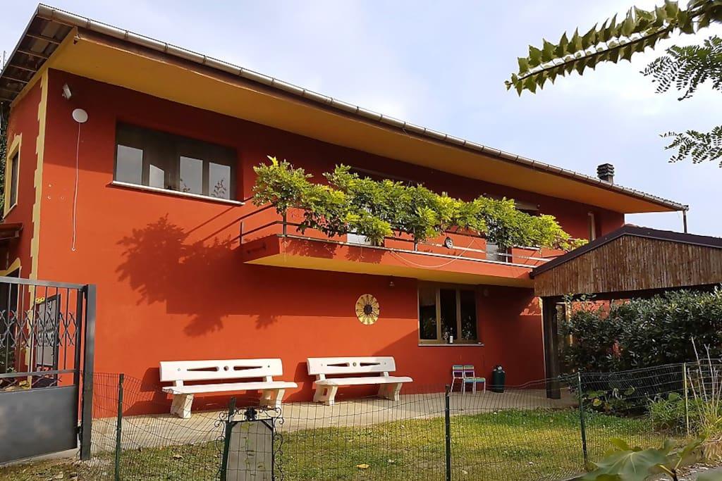 Villa met privé terrein