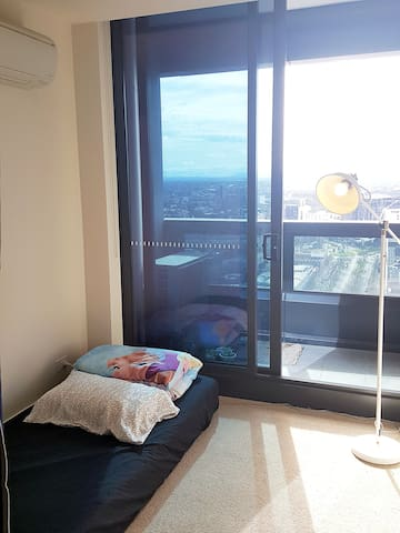 Comfortable and cost-effective Bedroom in Mel