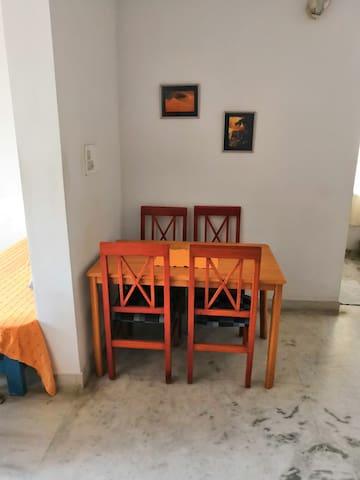 Big one bedroom in Richmond Town / Shantinagar -