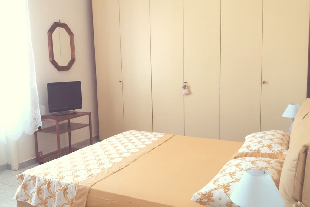 Bedroom N.1. Very spacious with king size bed. Extra single bed can be added.