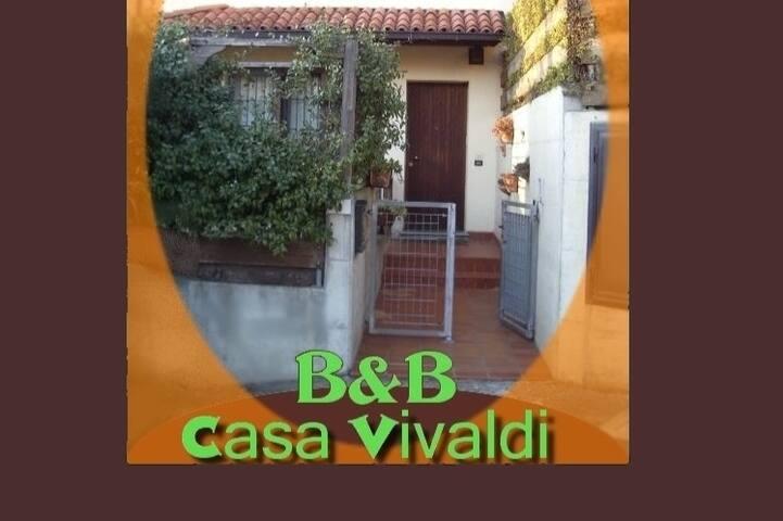 Casa Vivaldi Valsamoggia ingresso indipendente