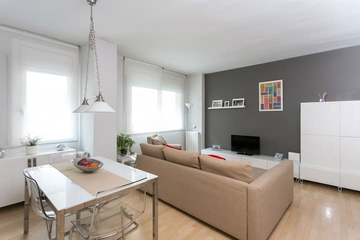 Super Central Lovely 2 Bedroom Apartment - Barcelona - Apartment