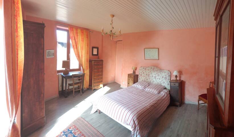 Chambre meublée, Drôme de collines, pleine nature - Châteauneuf-de-Galaure