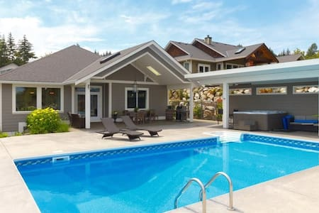 Entire Home in Mill Bay with Pool and Ocean Views