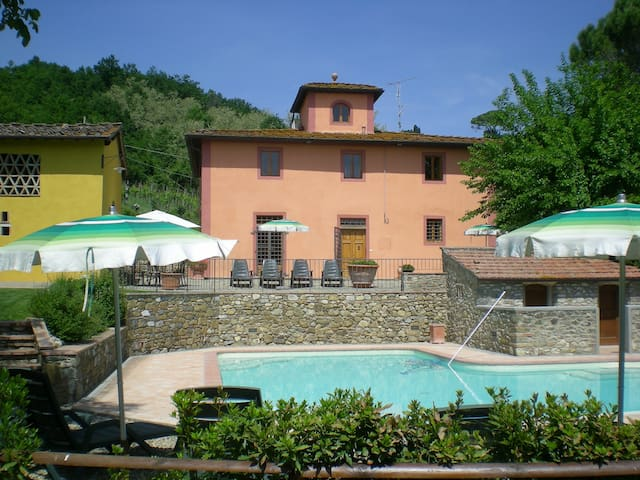 Tuscan style country house with pool and Jacuzzi - San Casciano in Val di pesa - House