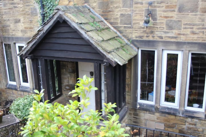 Butlers Cottage - Lovely 2 bed cottage