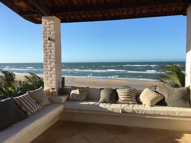 5 bedrooms Beach House in Guajiru _ Flecheiras
