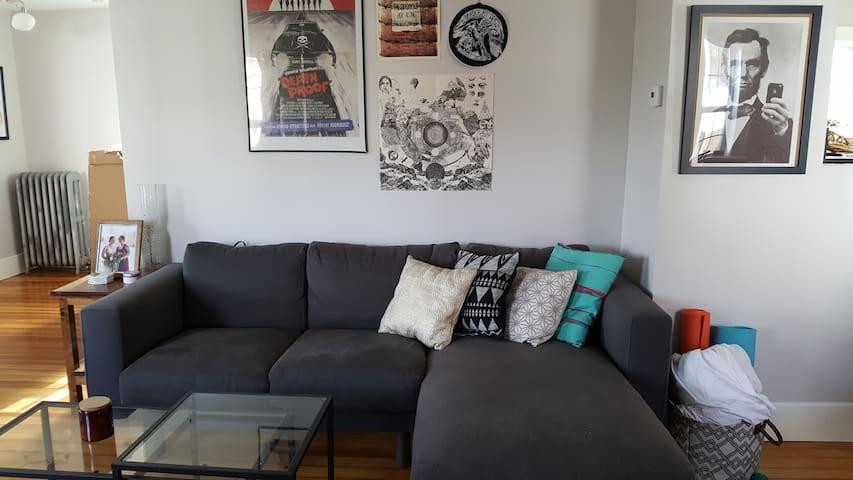 Comfortable  2 Bedroom Home - Foxborough - บ้าน