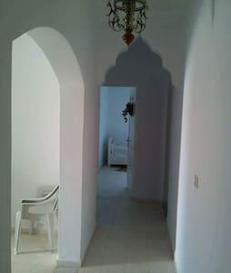 Villa dans un endroit magnifique - Ghizen - Apartamento