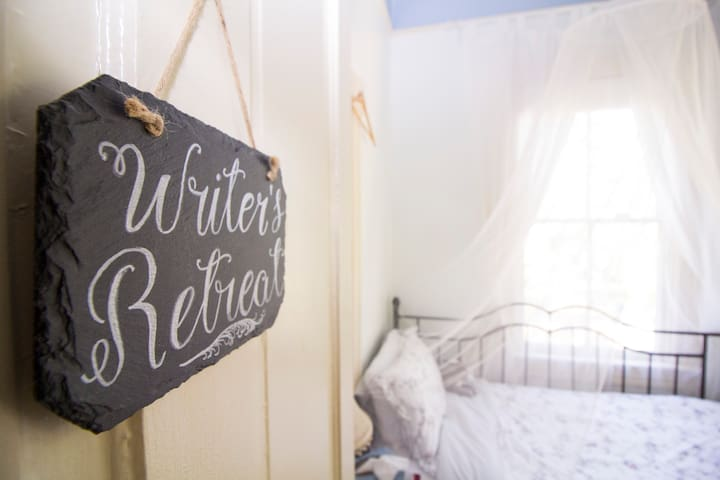 The Writer's Retreat - Perfect for one! - Savannah - Bed & Breakfast