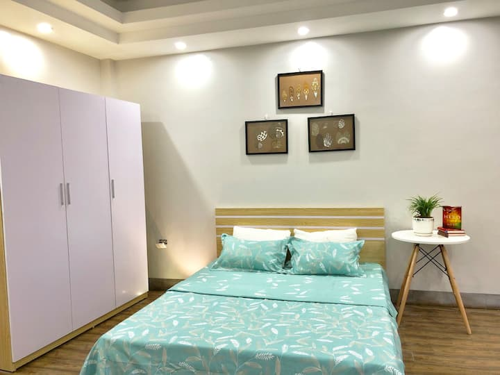 Cheap Apartment with Basic Funiture in My Dinh