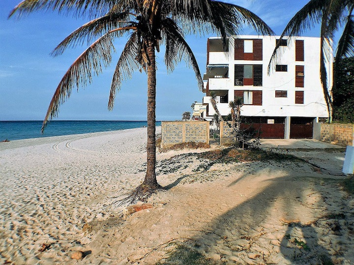 Liberty 2 rooms- seaview-Varadero-MiAlquilerEnCuba