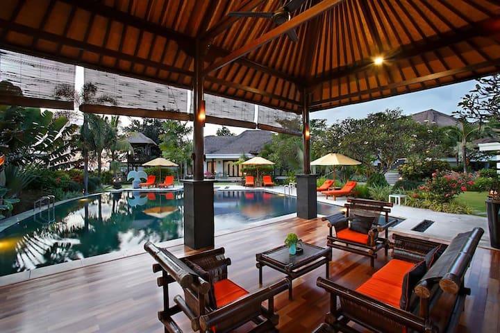 Villa L'Orange  Cucukan Lebih Bali