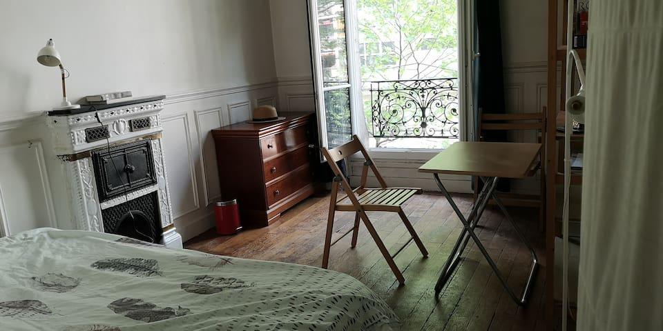 Grande Chambre Haussmannienne de 15 m2