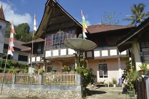 Ne Tappi Tiku Family House
