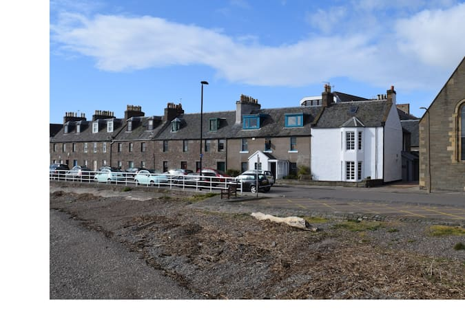 Waterside, Broughty Ferry Self Catering by the Tay
