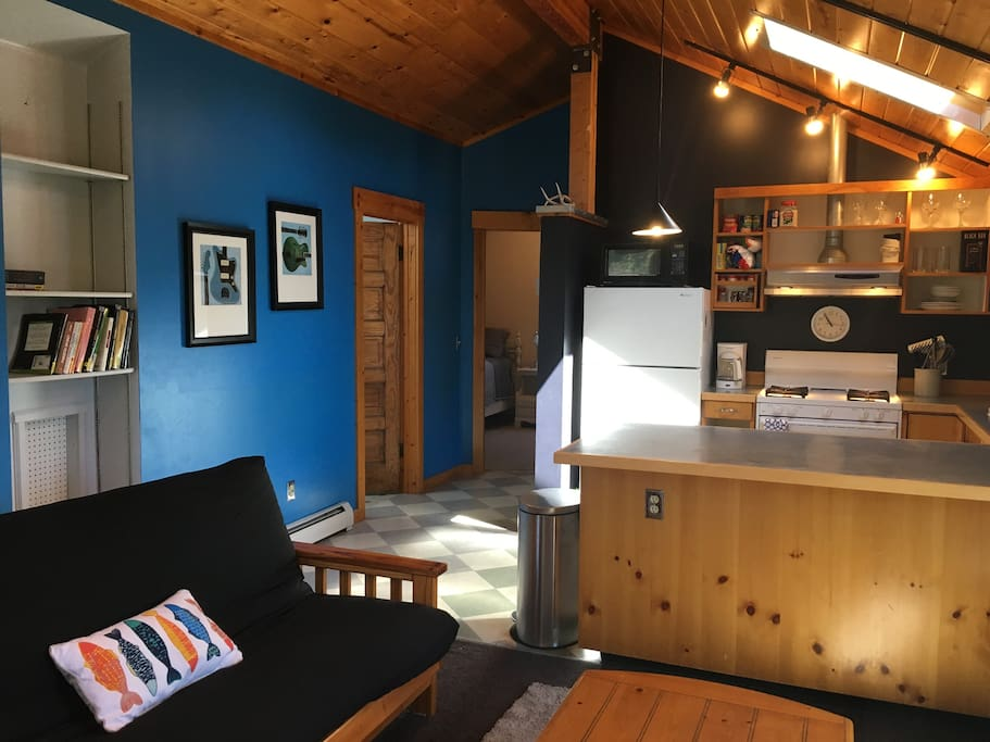 Charming Second Floor Apartment Near Downtown Lofts For Rent In Bozeman Montana United States