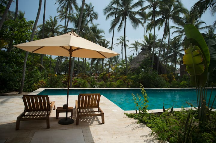 Cayena Beach Villa Deluxe Room con Piscina y Mar - Guachaca - Casa de campo