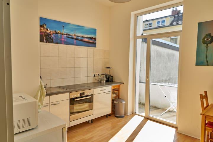 Apartment-Flingern ( 2min. vom Hbf)