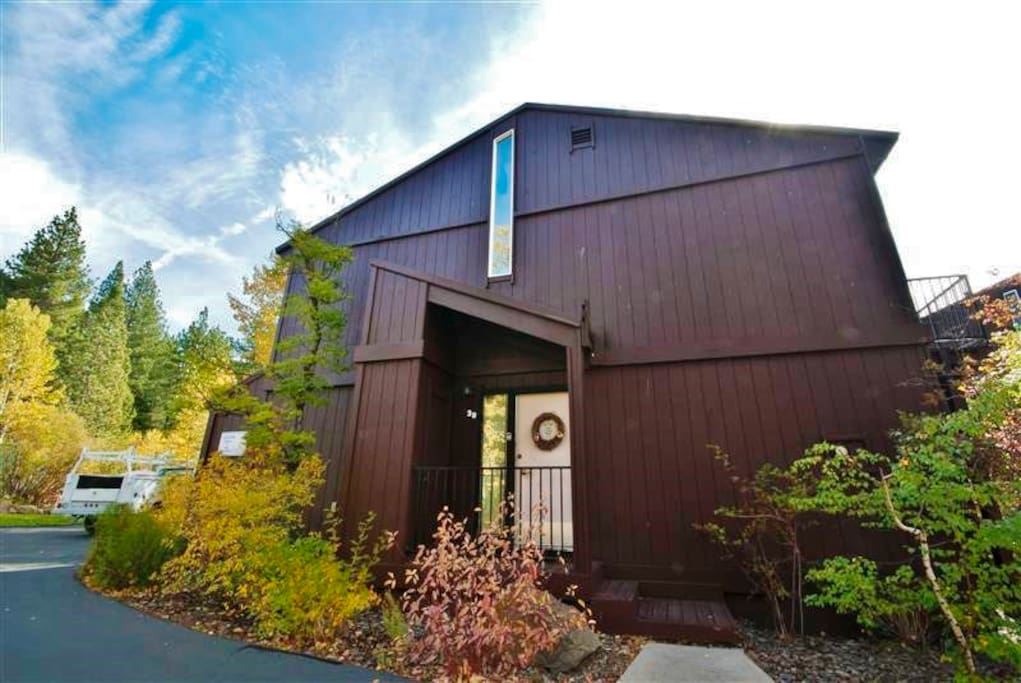 4br lake tahoe condo close to beach slopes for Tahoe city cabin rentals