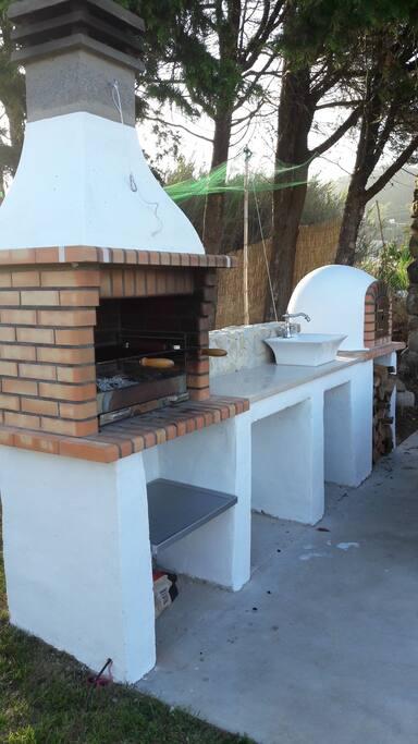 BBQ + FOUR A PAIN,  PIZZA ETC