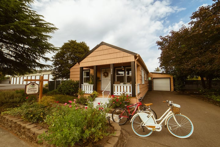 Dundee Central 2-Bedroom Pet-Friendly Cottage