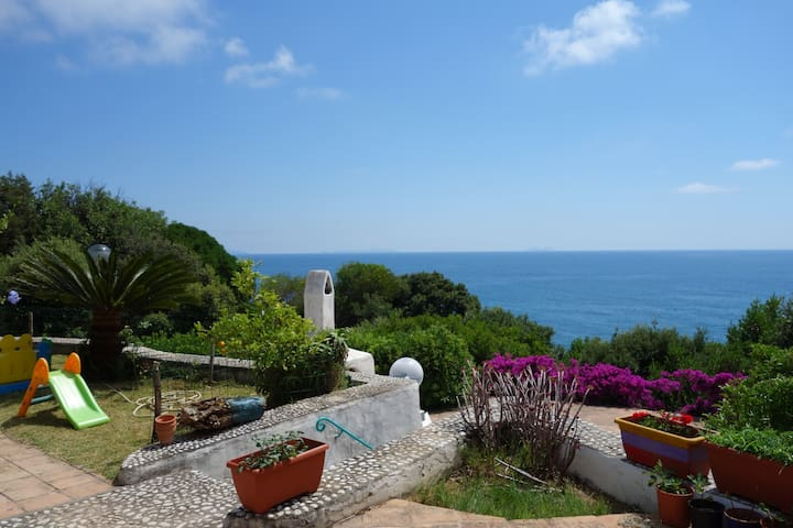 Villa with amazing view and private access to sea - Punta Rossa - Willa