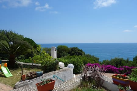Villa inside National Park with access to the sea - Punta Rossa