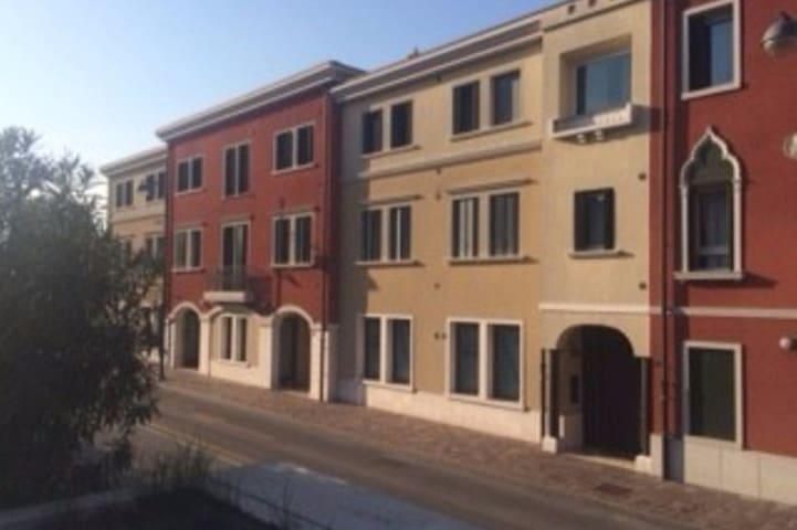 Appartamento : near 7 kmOutlet,19 Jesolo,35 Venice - San Donà di Piave - Daire