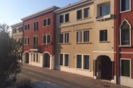 Appartamento : near 7 kmOutlet,19 Jesolo,35 Venice - Lägenhet