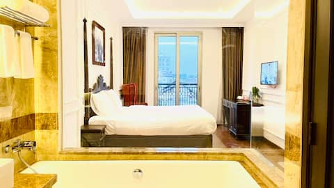 Compact Suite ✬ Bathtub ✬ Binh Duong center