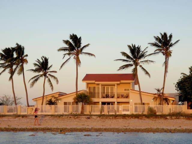ArubaHouse-Malmok Beachfront 5 Bedroom 6 Bath - Noord - Villa