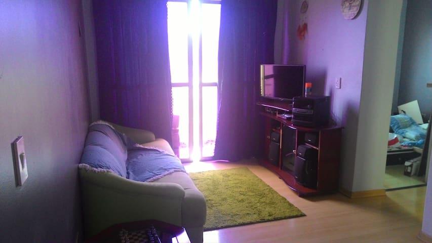Quarto em apartamento confortável - Bebedouro