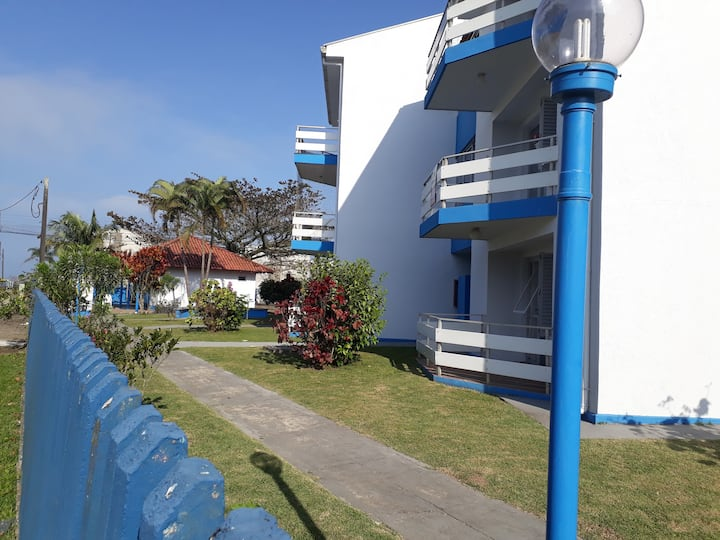 Apartamento agradável  a uma quadra do mar