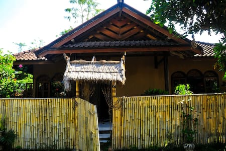 Cendrawasih Bungalows - Family Bungalow