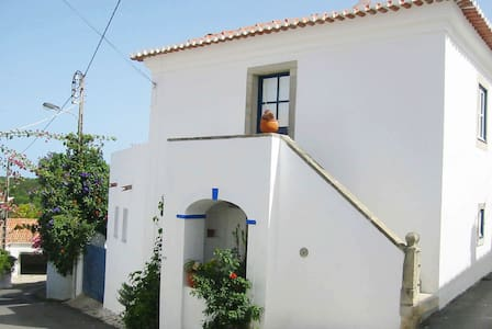 Guest house in Almocageme/Colares with sea view