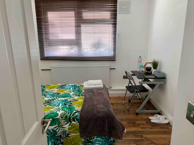 Room in Stockwell- 5 min from Central London