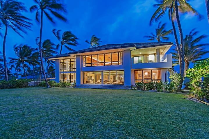 Oceanfront luxury private villa(Premium Suite)