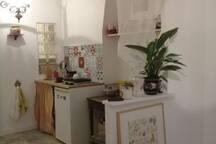 Studio au nord de Paris ,  cote Montmartre .