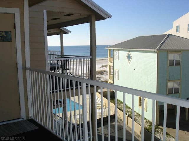 Romar Beach 2BR/2BA Condo on beach w/great view!