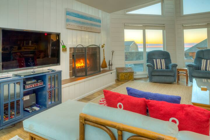 Delight:Views! Location,Beach,Firepit,Deck,A+Wifi!