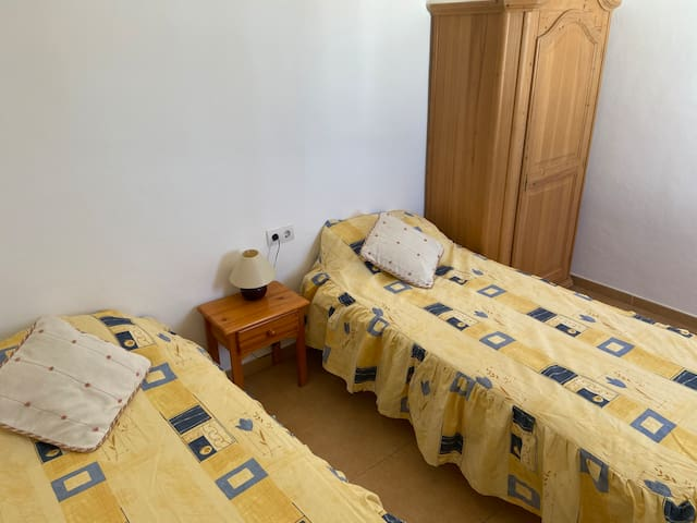 Twin room in lovely property, Nerja